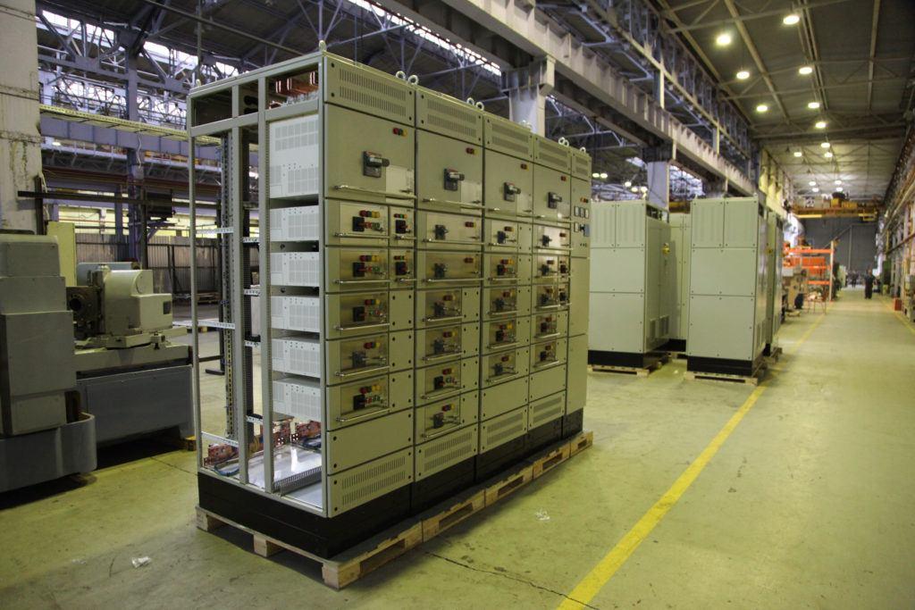 Распределительные устройства низкого напряжения (РУНН-0,4кВ)